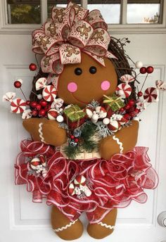 This How To Make A Gingerbread Girl Wreath, DIY Christmas wreath, DIY Christmas Door Hanger is just one of the custom, handmade pieces you'll find in our critiques & shop tutorials shops. Gingerbread Christmas Decor, Gingerbread Crafts, Gingerbread Decorations, Indoor Christmas Decorations, Christmas Diy, Homemade Christmas, Christmas Greetings, Gingerbread Men, Christmas Movies