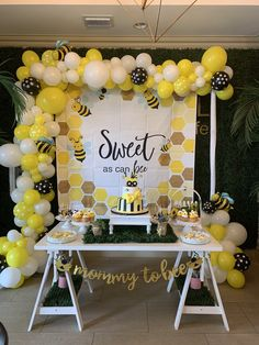 Sweet as a Bee Baby Shower Decor - Baby Shower Decorations and Ideas - . - Sweet as a Bee Baby Shower Decor – Baby Shower Decorations and Ideas – - Mommy To Bee, Boho Baby Shower, Gender Neutral Baby Shower, Baby Shower Yellow, Woodland Party, Organiser Une Baby Shower, Unique Baby Shower Themes, Baby Girl Shower Themes, Gateau Baby Shower