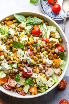 Honey Roasted Chickpea and Avocado Salad with tomatoes, feta, and creamy herb dressing. This vegetarian salad is nutritious, flavorful, and filling. dinner for one Honey Roasted Chickpea and Avocado Salad with Herb Dressing Honey Roasted Chickpeas, Roasted Chickpea Salad, Roasted Avocado, Chickpea Recipes, Vegetarian Recipes, Cooking Recipes, Healthy Recipes, Detox Recipes, Pasta Recipes