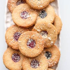 Christmas Candy, Christmas Cookies, Onion Rings, Sweet Desserts, Doughnut, Muffin, Food And Drink, Low Carb, Baking