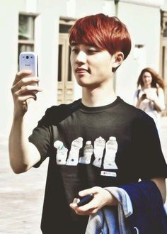 D.O #EXO this hair color really suites him.