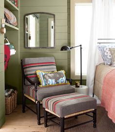 Blanket upholstery example Country Living - 2012 House of the Year: Guest Bedroom Cottage > Thomas upholstered this Ballard chair with Pendleton throws and added rustic charm by leaving the floorboards unfinished. Pendleton Throw, Pendleton Fabric, Cozy Reading Corners, Cozy Corner, Reading Nooks, Camping Blanket, Green Home Decor, Kabine, Upholstered Chairs