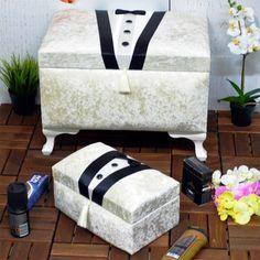 Nişan töreninde yüzükler takıldıktan sonra geleneklere uygun olarak verilen nişan bohçası içerisinde bulunması gereken her şey bellidir..