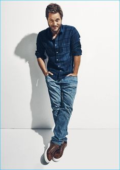 Warcraft actor Travis Fimmel goes casual for the pages of Esquire. Connecting with photographer Andy Ryan, Fimmel hits the studio in basic staples that include crewneck t-shirts and distressed denim jeans from brands such as Simon Miller. Related: Travis Fimmel Covers At Large, Talks Warcraft & Reflects on Modeling Career Talking about what it was...[Read More]