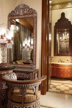 تراث مغربي اسلامي عربي ديكور بسيط Oriental Interior, Upscale Furniture, Moorish Furniture, Home Decor, Islamic Decor, Pakistani Furniture, Interior Design Luxury Modern, Moorish Design, Luxury Interior Design