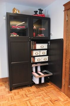 BESTÅ customizable storage cabinet can organize all your needs! Show off your collections, store your books and file your paperwork in one versatile piece.