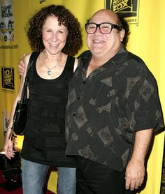 Danny DeVito and Rhea Perlman The former Cheers actors have been married since January Funny and talented. Hollywood Couples, Hollywood Star, Celebrity Bodies, Celebrity Couples, Rhea Perlman, Famous Celebrities, Celebs, Most Beautiful Man, Hey Gorgeous