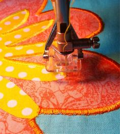 Curious Quilts: Satin stitching around a tight corner