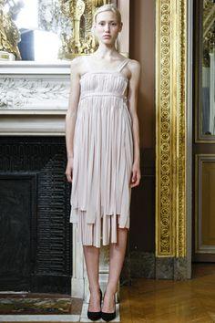 Trend: White / Designer: Sophia Kokosalaki / Photographer: Marcus Tondo