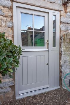 Cottage Front Doors, Cottage Door, Cottage Exterior, Front Doors With Windows, Back Doors, Suffolk Cottage, Classic Doors, Porche, External Doors