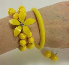 Hey, I found this really awesome Etsy listing at https://www.etsy.com/listing/229900330/retro-yellow-bead-bracelet-1960s