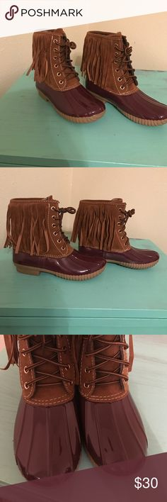 Fringe Duck Boots Only worn once Shoes Winter & Rain Boots