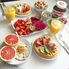 10 Healthy Breakfast Ideas for Kids - Useful Articles Breakfast Food List, Breakfast Recipes, Breakfast In Bed, Romantic Breakfast, Tumblr Breakfast, Comidas Fitness, Think Food, Food Platters, Food Goals