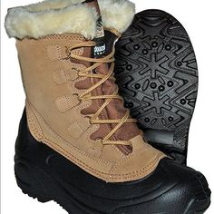 Womens Itasca insulated boot with fur Keeps your feet comfy and warm. Worn once…