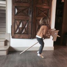 Current situation  #lescornesdejuju #homedecoration #homedecor #deco #rack #perchero #portemanteau #fb #animalfriendly #familyholidays #christmas