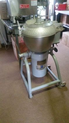 I have a used 25 litre Stephan Bowl Cutter for sale. 3 phase AND 3 SPEED GEARBOX.The unit is in excellent condition.Contact me for details. Kitchen Aid Mixer, Kitchen Appliances, Buy And Sell Cars, Catering Equipment, Coffee Maker, The Unit, Diy Kitchen Appliances, Coffee Maker Machine, Home Appliances