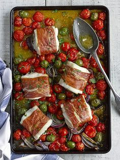 Best Tomato Recipes Cod, cherry tomato and green olive tray roast - This recipe for cod, cherry tomato and green olive tray roast is so quick and easy to prepare but looks impressive when you pull it out of the oven. Serve with a big bowl of buttered orzo Easy Baked Fish Recipes, Healthy Recipes, Lunch Recipes, Diet Recipes, Easy Recipes, Recipies, Recipes Dinner, Healthy Meals, Appetizer Recipes