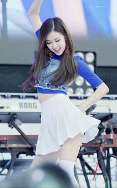 Rose__Black-Pink__Park_Chae_Young