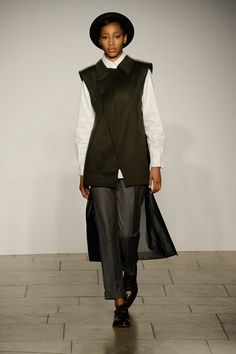 London College of Fashion MA - Autumn/Winter 2015-16 Ready-To-Wear London Fashion Week - Look 43 of 98