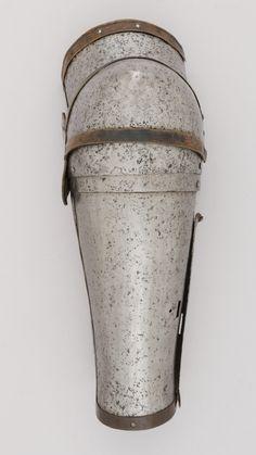 Arm Harness, MET, New York ref_arm_1001 Date: 1380–1400 Culture: Italian Length: 31.1 cm Width: 12.1 cm Diameter: 10.8 cm Weight: 0.72 Kg