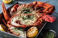 Oppskrift på grillet hummer med korianderpesto. Hummer, Paella, Shrimp, Mad, Ethnic Recipes, Lobsters, Hama