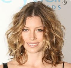 Pin On Hairstyles For Medium Length
