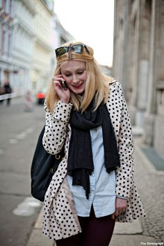 Dots Street Style Berlin Women #Women #street #fashion Berlin Street, Suits You, Classic Looks, Street Style Women, Blazer Jacket, Your Style, Street Fashion, Womens Fashion, Casual