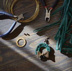Hoop raffia earrings and my favorite tools
