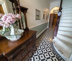 This Olde English Tiles Colliford design brings a lot of character to this simplistic hallway