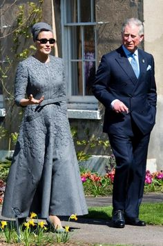 Sheikha Mozah bint Nasser Al Missned of Qatar and Prince Charles. head wrap | turban