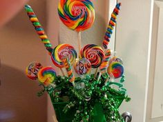 Elkins Webb Lollipop Guild Bouquet - good idea for Wizard of Oz party centerpiece Lollipop Bouquet, Candy Bouquet, Wizard Of Oz Decor, Wizard Oz, Party Centerpieces, Over The Rainbow, Party Planning, Birthday Parties, Birthday Ideas
