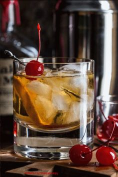 Animated by Snappyscrappy Drink, Christmas, Gin, Whisky, Cherries, animated gif