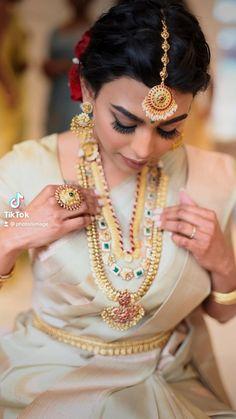 Tamil Brides, Bangles, Bridesmaid, Crown, Jewelry, Fashion, Bracelets, Maid Of Honour, Moda