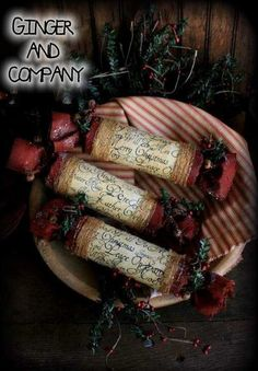 These wonderful vintage style Christmas Popper Onies are 9 wide x 2 in Diameter. They are wrapped in vintage Christmas carol music sheets. Pattern includes aged image to print off on your color printer for Vintage Sheet Music. Poppers can also be filled. Merry Christmas To All, Christmas Candles, Primitive Christmas, Christmas Carol, Vintage Christmas, Christmas Holidays, Christmas Decorations, Christmas Things, Christmas Ornaments
