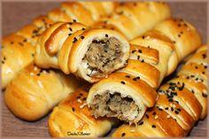 Petits pains farcis No Salt Recipes, Snack Recipes, Cooking Recipes, Snacks, Empanadas, Pizza Mania, Chapati Recipes, Yummy World, Algerian Recipes