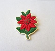 Vintage Christmas Gold Tone Poinsettia Flower Brooch by DLCS