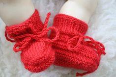Busy Bessy Creatief: Rode babysokjes Tom ...