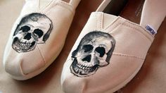 TOMS // Style Your Sole // Skulls