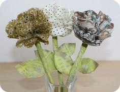 des fleurs en tissus (merci Tine) merci Natou