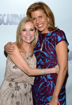 Kathie Lee Gifford gets close at the swanky after-party with her Today Show co-anchor, Hoda Kotb.(© David Gordon)