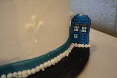 Tardis! | Flickr - Photo Sharing! OMG I MUST HAVE A LITTLE TINY TARDIS!!!!! Just hiding next to my wedding cake hehe
