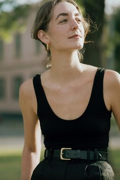ADD TO CART The Elio Singlet is an easy to wear, elegant singlet. It has a flattering scoop neck and back and is the perfect, simple styling piece for our tailored pants! Fashion 2020, Daily Fashion, Everyday Fashion, Looks Style, Style Me, Simple Style, Tomboy Fashion, Parisian Style, Mode Inspiration