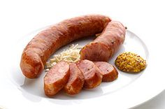 This recipe for Slovenian carniolian sausage (kranjska klobasa) is traditionally smoked but it can be left unsmoked and cooked. Homemade Sausage Recipes, Meat Recipes, Cooking Recipes, Chorizo, Slovenian Food, How To Make Sausage, Sausage Making, Home Made Sausage, Recipes