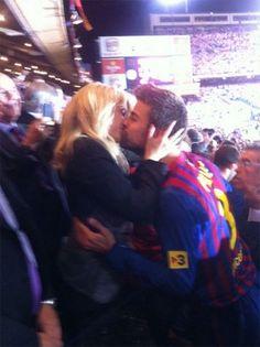 FINUUUHH! Pique & Shakira are cute together!