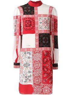 Compre Alexander McQueen Vestido de seda com patchwork.