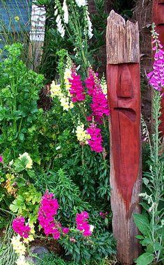 New Zealand native timber chainsaw carved garden art by Michael Walsh, Kakahi New Zealand Abstract Sculpture, Bronze Sculpture, Wood Sculpture, Garden Sculpture, Maori Art, Ice Sculptures, Garden Art, Glass Art, Modern Design