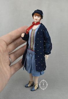 1920's era fashion in 1:12 scale, porcelain and china painted Dollhouse Dolls, Sculptures, Porcelain, Miniatures, Miniature Rooms, Dollhouses, 1920s, Vancouver, Scale