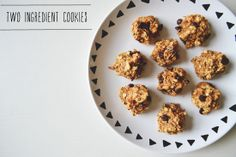 ingredi cooki, chocolate chips, 2 ingredients, healthy cookies, banana bread, urban nester, gluten free, baking, peanut butter