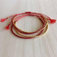 Bracelet fil rouge Bracelet en perle de rocaille rouge et or   Etsy