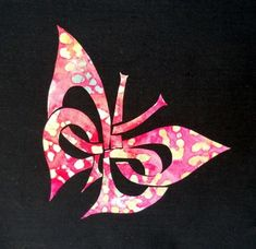 Celtic Butterfly Knot Applique Pattern by HumburgCreation - Craftsy Celtic Quilt, Applique Patterns, Applique Quilts, Quilt Patterns, Block Patterns, Applique Designs, Quilting Tutorials, Quilting Projects, Quilting Designs